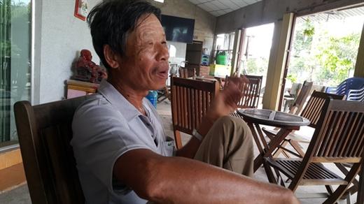 Ông Nguyễn Văn Bé bình thản sau sự cố trên đường khiến ông mất trắng 500 trứng vịt - Ảnh: T.V.C.